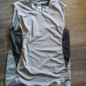 Nike pro sleevless workout shirt